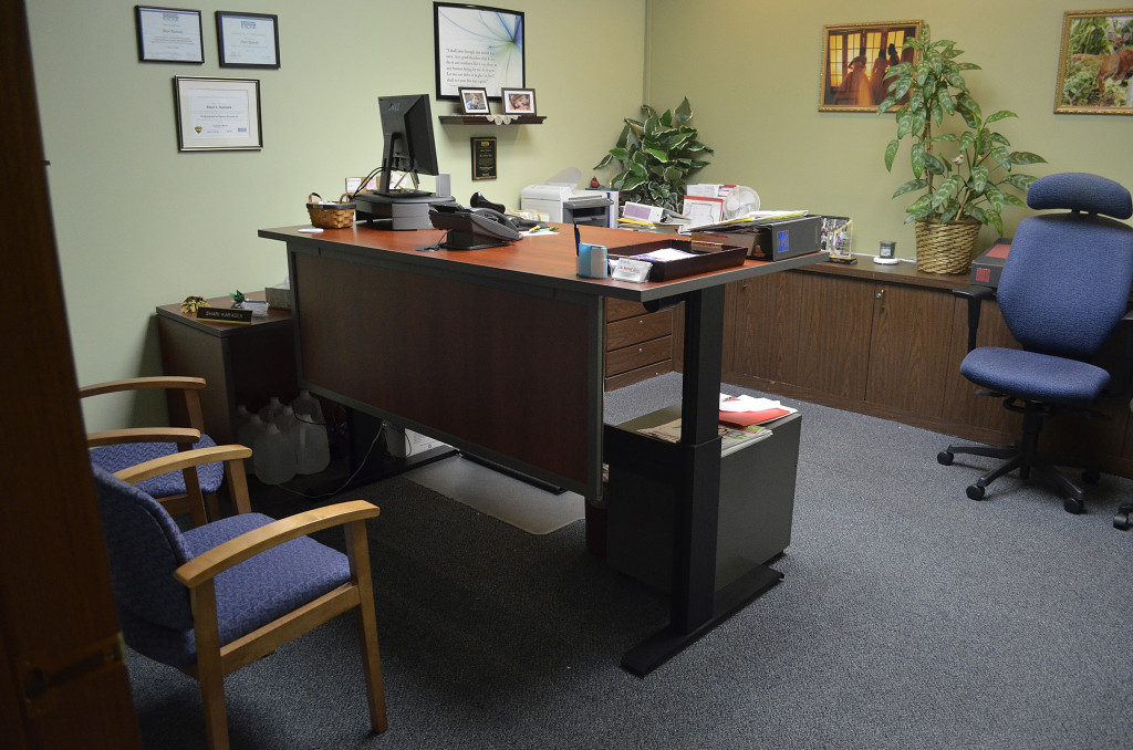 Here you see Shari's desk at standing height.